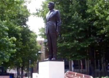 Ronald Reagan in bronze