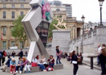 Games Clock Trafalgar popular spot