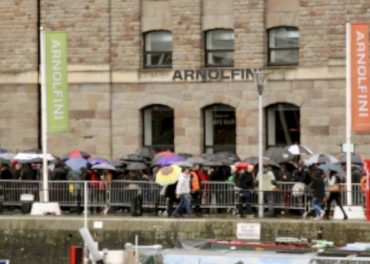 Star Wars fans queued in rain for audition