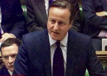 David Cameron urges Syria air attacks