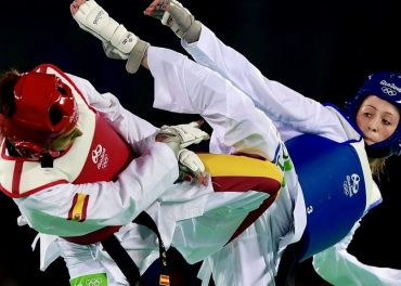 Jade Jones wins Taekwondo gold