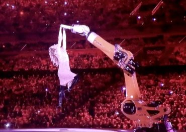 Amy Purdy flirts with robot Para Opening Ceremony