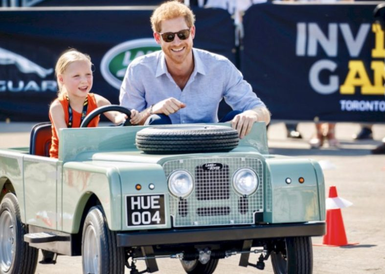 Invictus Games: Little Girl Takes Harry for a Ride