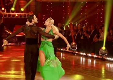Davood and Nadiya Paso Doble to 'Live And Let Die'