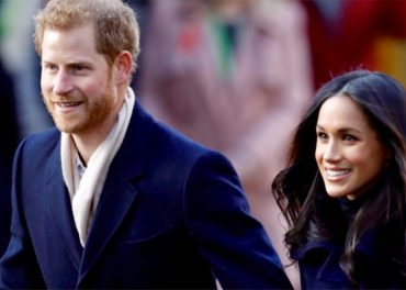 Prince Harry and Meghan Markle Wow Crowds on first Royal Visit