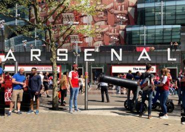 Arsenal Fans Agree Arsene Wenger should go