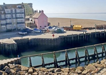 Bridport Harbour (West Bay) Live