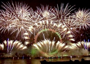 London's New Year's Eve Fireworks LIVE Replay