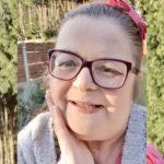 Karen cancer patient stays at home