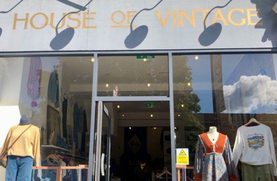 Vintage Fashion Filling Wardrobes