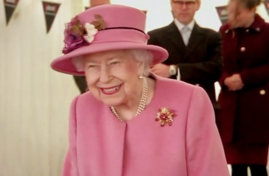 Queen carries out first engagement since lockdown