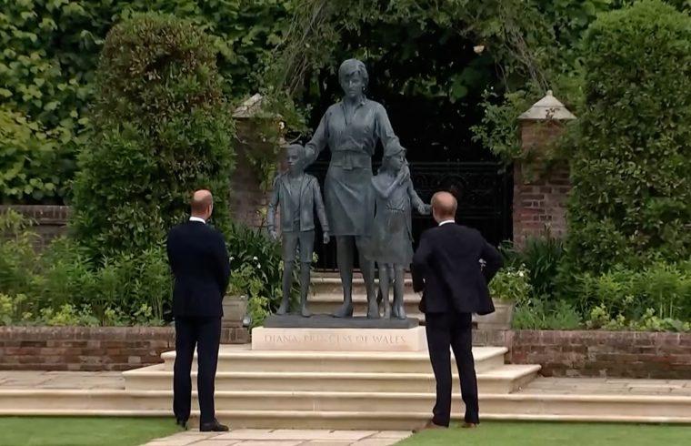 William and Harry unveil Diana Statue