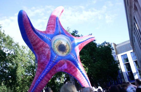 massive starro statue