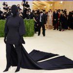 Kim Kardashian - in black