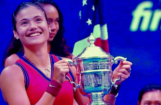 Emma Raducanu powers to US Open title